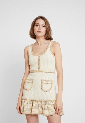HEAVEN HELP MINI DRESS - Pletené šaty - crème