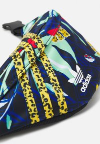 adidas Originals - WAISTBAG UNISEX - Ledvinka - multicolor - 3
