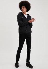 DeFacto - Zip-up sweatshirt - anthracite - 1
