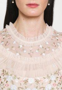 Needle & Thread - LALABELLE GOWN - Společenské šaty - strawberry icing - 6