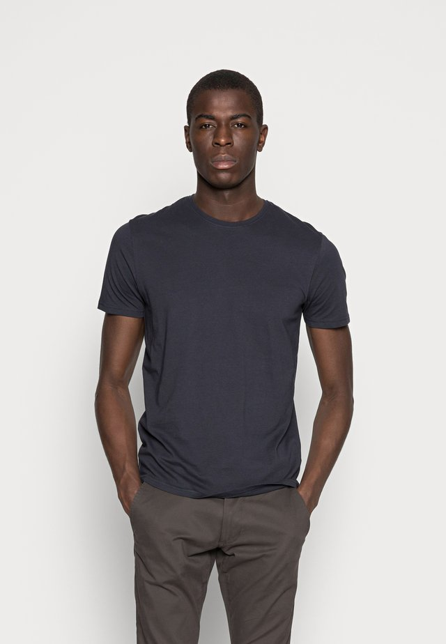 BARTON - Jednoduché triko - black
