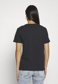 Gina Tricot - EDITH TEE - T-shirt imprimé - offbl/desert - 2