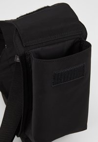 PS Paul Smith - MENS BAG BELTBAG - Sac bandoulière - black - 5