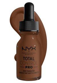 Nyx Professional Makeup - TOTAL CONTROL PRO DROP FOUNDATION - Foundation - deep rich - 2