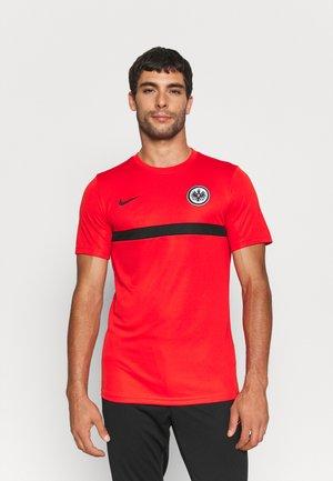 EINTRACHT FRANKFURT  - Club wear - chile red/black