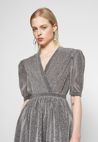 House of Holland - VNECK MINI DRESS - Cocktail dress / Party dress - silver - 4