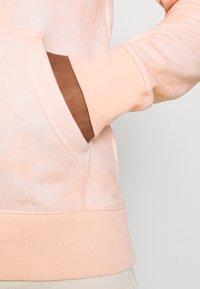 Nike SB - HOODIE UNISEX - Sweatshirt - orange pearl/coconut milk - 4