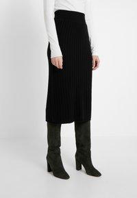 pure cashmere - SKIRT - Jupe crayon - black - 0