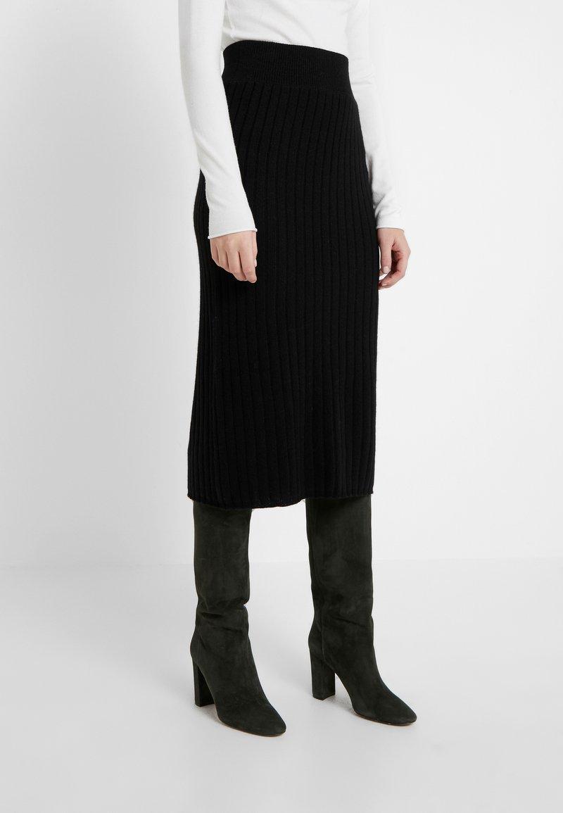 pure cashmere - SKIRT - Jupe crayon - black