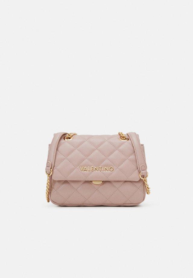 OCARINA - Across body bag - rosa antico