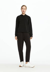 OYSHO - Pantalon de survêtement - black - 0