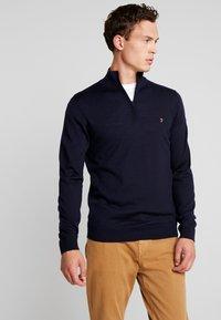 Farah - REDCHURCH ZIP EXTRA FINE - Stickad tröja - true navy - 0