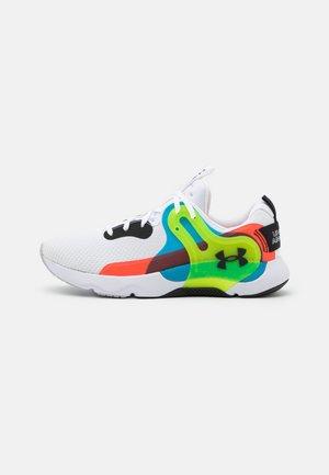 HOVR APEX 3 - Sportovní boty - white