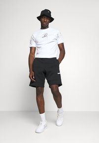 Jordan - JUMPMAN AIR  - Pantaloni sportivi - black/white - 1