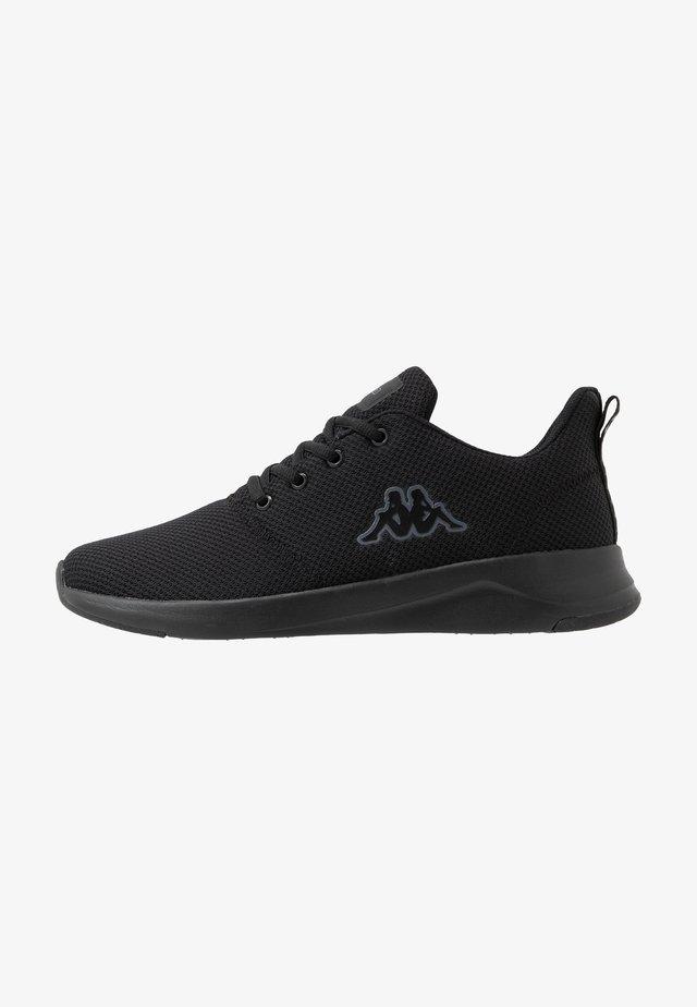 CUMBER - Chaussures d'entraînement et de fitness - black