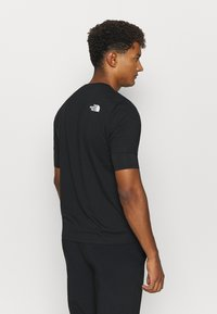 The North Face - ACTIVE TRAIL - Jednoduché triko - black - 2