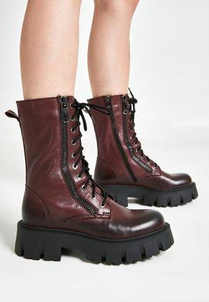 Platform boots - vinegar vng