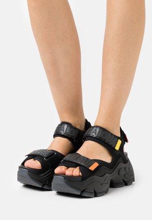 VEGAN BINARY  - Korkeakorkoiset sandaalit - black