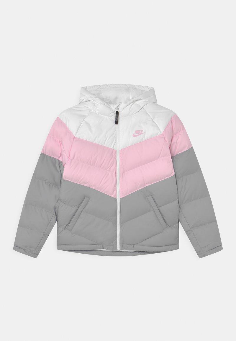 Nike Sportswear - SYNTHETIC FILL UNISEX - Vinterjakke - white/pink foam/light smoke grey