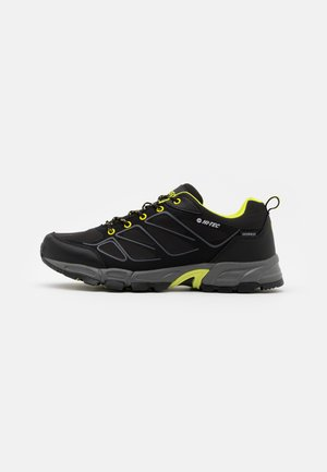 RIPPER LOW WP - Hiking shoes - black/limoncello