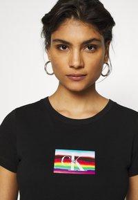 Calvin Klein Jeans - SMALL FLAG SLIM TEE - Print T-shirt - black - 3