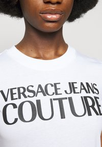Versace Jeans Couture - TEE - Print T-shirt - optical white - 4