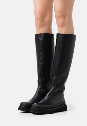 EXCLUSIVE CALLAN - Platform boots - black