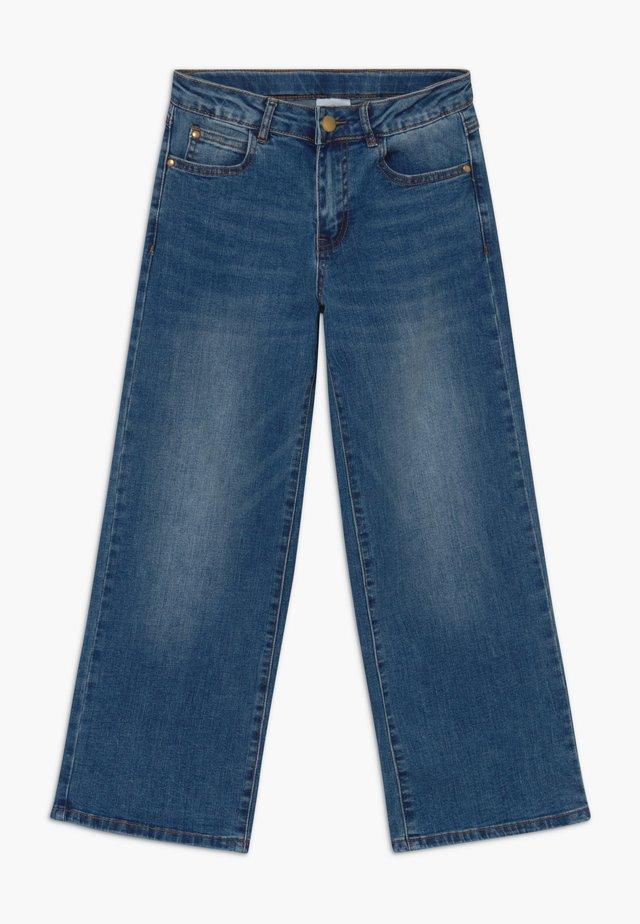 ONINKA WIDE - Straight leg jeans - light blue denim