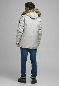 Produkt - Winter coat - light grey melange - 2