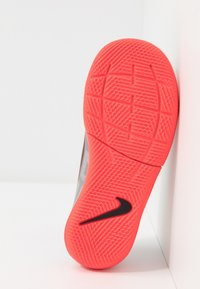 Nike Performance - MERCURIAL JR VAPOR 13 ACADEMY IC UNISEX - Indoor football boots - metallic bomber grey/black/particle grey - 5