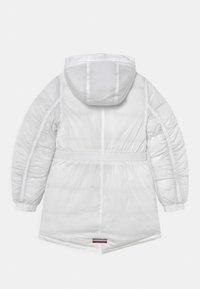 Tommy Hilfiger - FEMININE TECH - Winter coat - white - 2