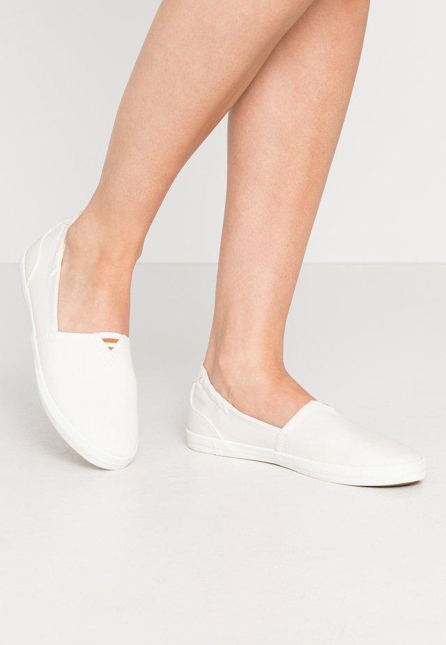 Slip-ons - white
