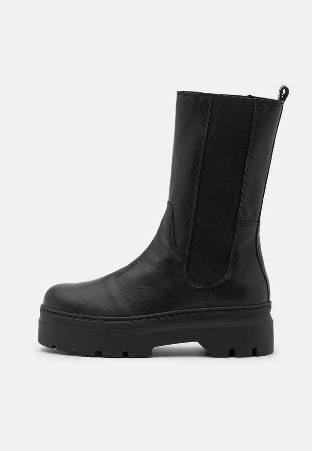 AYA - Platåstøvler - black
