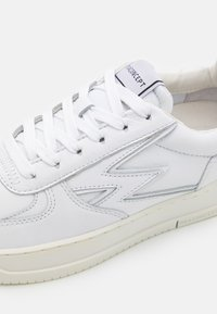 MOA - Master of Arts - MASTER LEGACY - Sneakers - white - 6