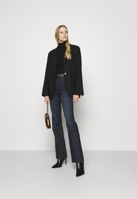 Guess - POP 70S - Flared Jeans - kindly paradise - 1