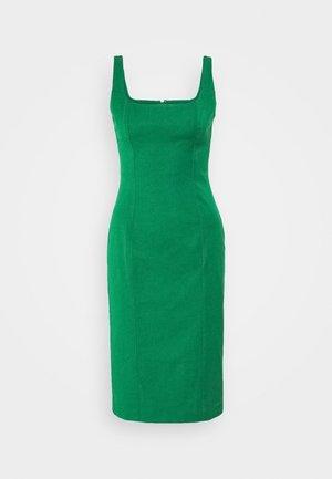 NECK SHEATH SOLID - Denní šaty - luscious green