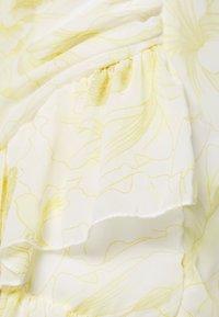 Missguided - RUCHED RUFFLE MINI DRESS - Day dress - yellow - 2
