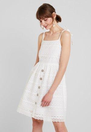 VIMYLA DRESS - Korte jurk - cloud dancer