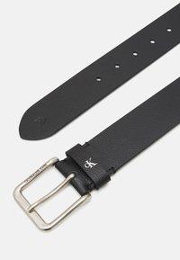 Calvin Klein Jeans - ROUNDED CLASSIC BELT - Belt - black - 1