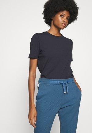 ICONIC - T-shirt basique - deep blue