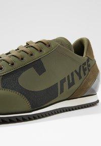 Cruyff - ULTRA - Sneakersy niskie - olive - 5