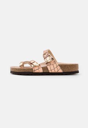 MAYARI - T-bar sandals - gator gleam copper