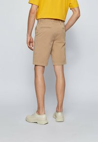 BOSS - Shorts - beige - 2