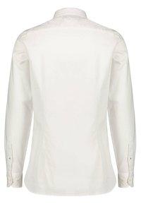Tommy Hilfiger - TH FLEX - Shirt - white - 1