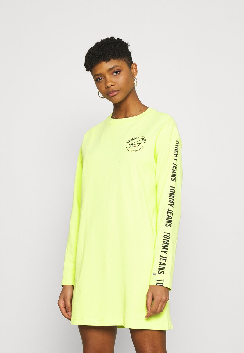 Tommy Jeans - LOGO TAPE TEE DRESS - Day dress - faded lime/multi