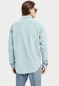 Scotch & Soda - REGULAR FIT - Shirt - bleached indigo - 2