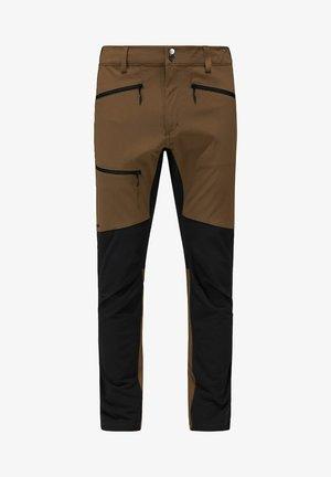 RUGGED FLEX PANT  - Ulkohousut - teak brown/true black