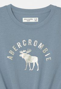 Abercrombie & Fitch - TIE FRONT - Print T-shirt - blue - 2