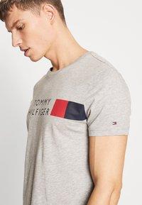 Tommy Hilfiger - T-Shirt print - grey - 3