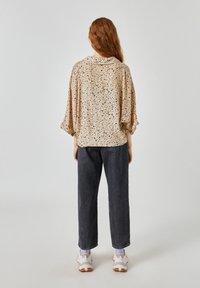 PULL&BEAR - Button-down blouse - beige - 2